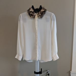 Zara cream blouse with faux leapord fur collar